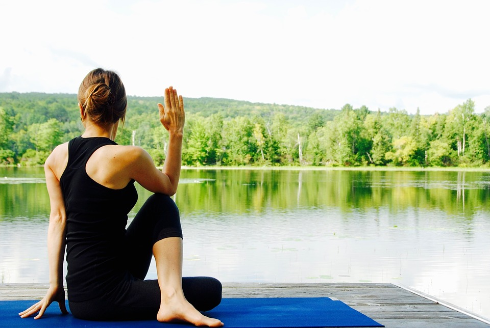 یوگا برای تسکین درمان ارتودنسی