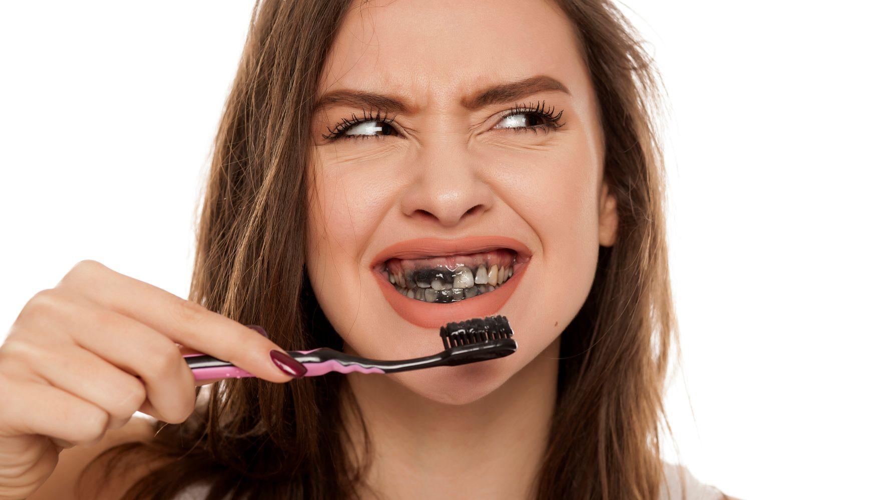 خمیر دندان ذغالی